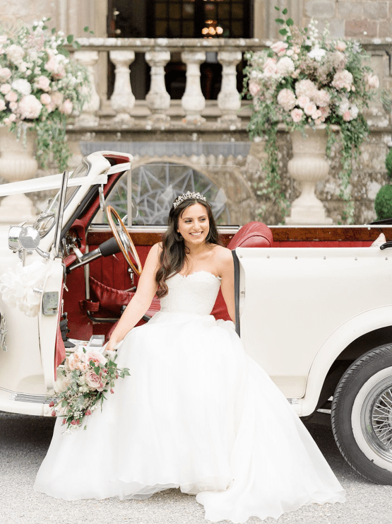 Fairytale Royal English Wedding Inspiration at Clearwater Castle – Sara Cooper Photography – Smitten Weddings 53