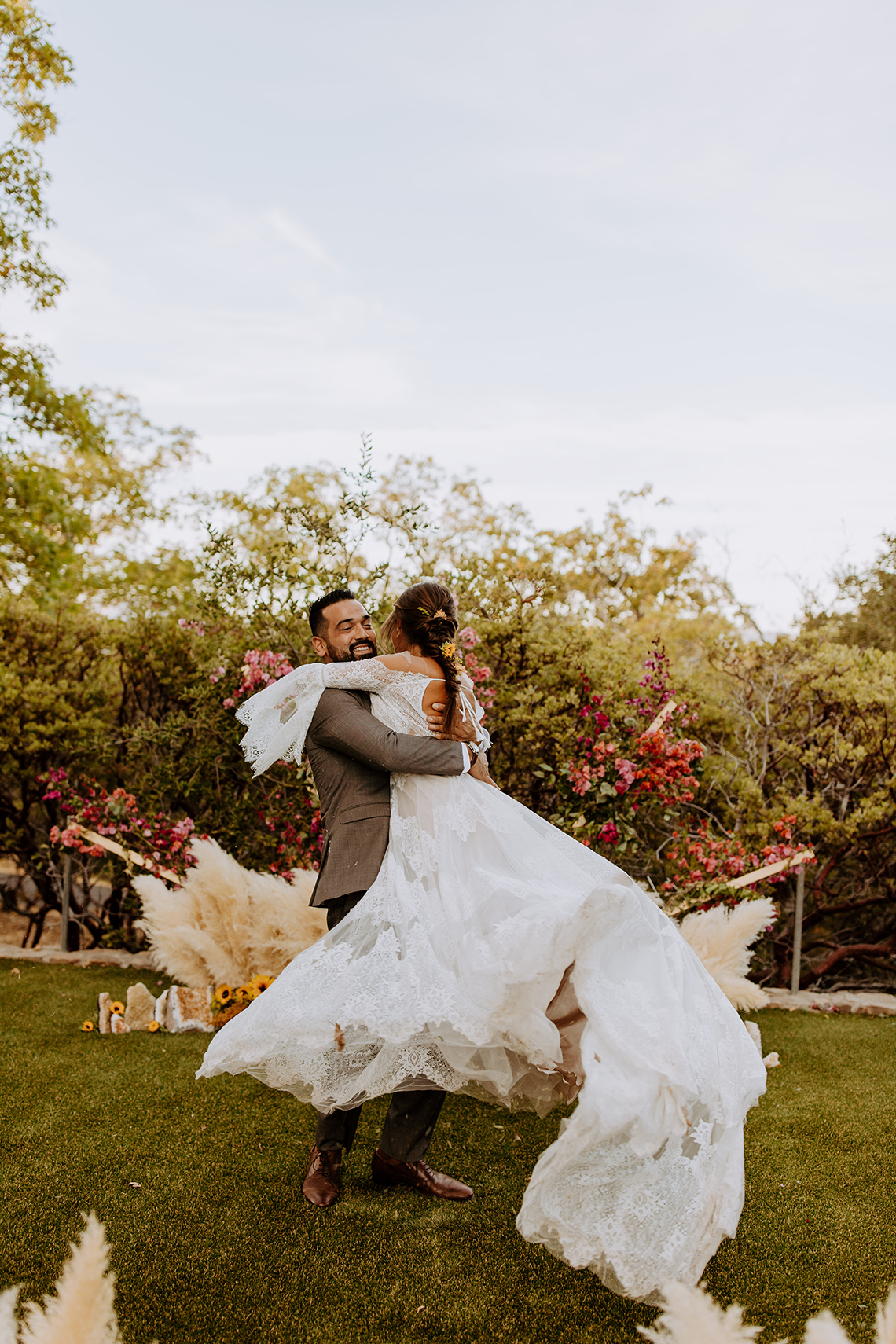 Bohemian and Rustic Wedding Inspiration with Pampas Grass – Parallel33 Photography – Esoteric Bride 39