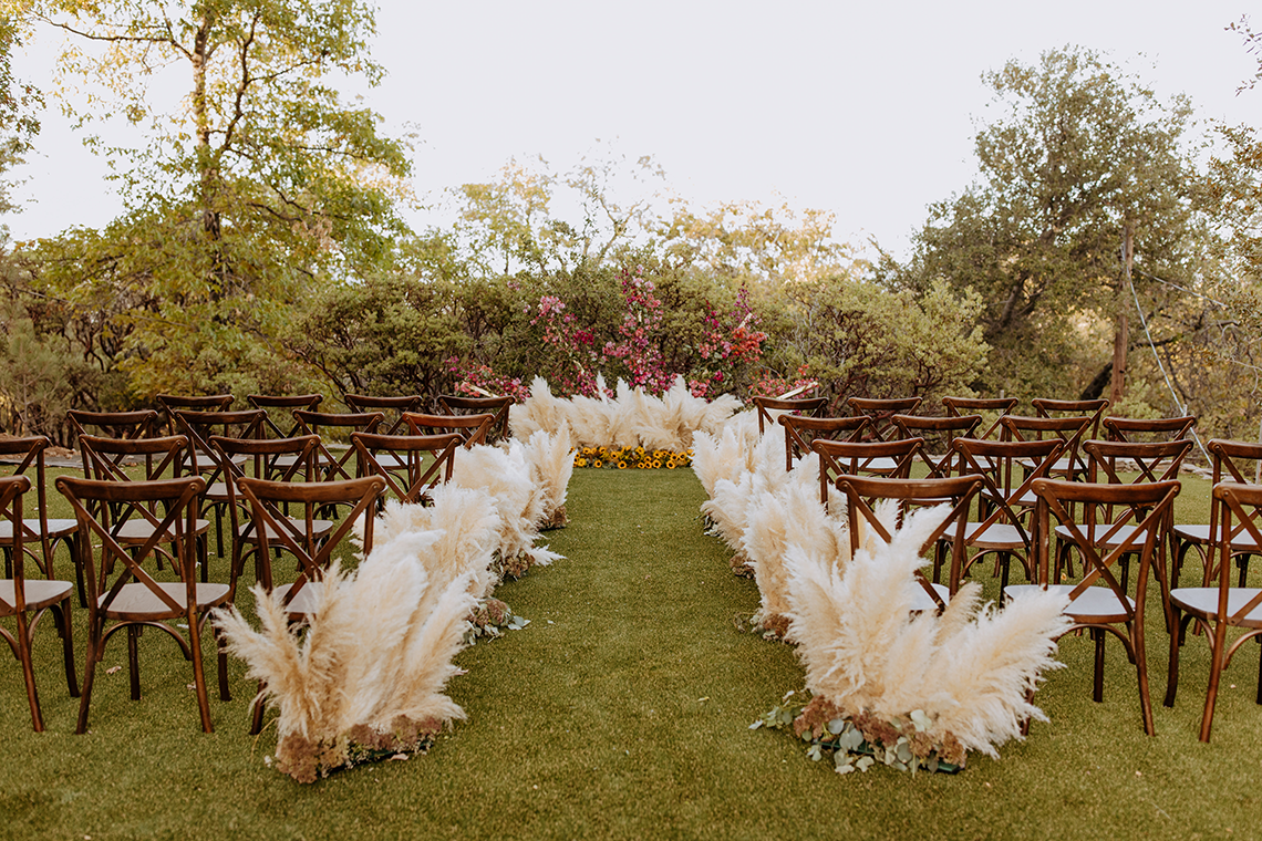 Bohemian and Rustic Wedding Inspiration with Pampas Grass – Parallel33 Photography – Esoteric Bride 6
