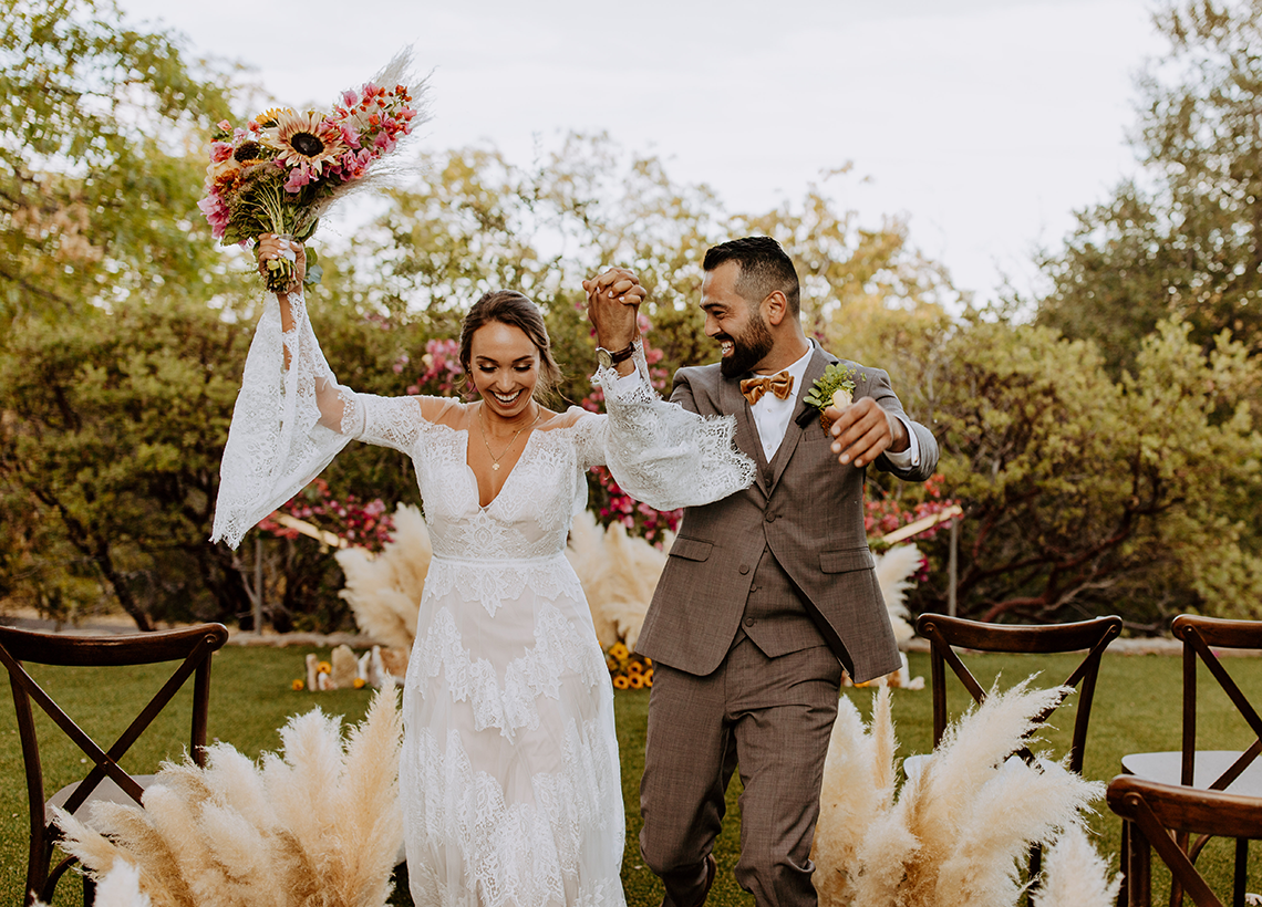 Bohemian and Rustic Wedding Inspiration with Pampas Grass – Parallel33 Photography – Esoteric Bride 7