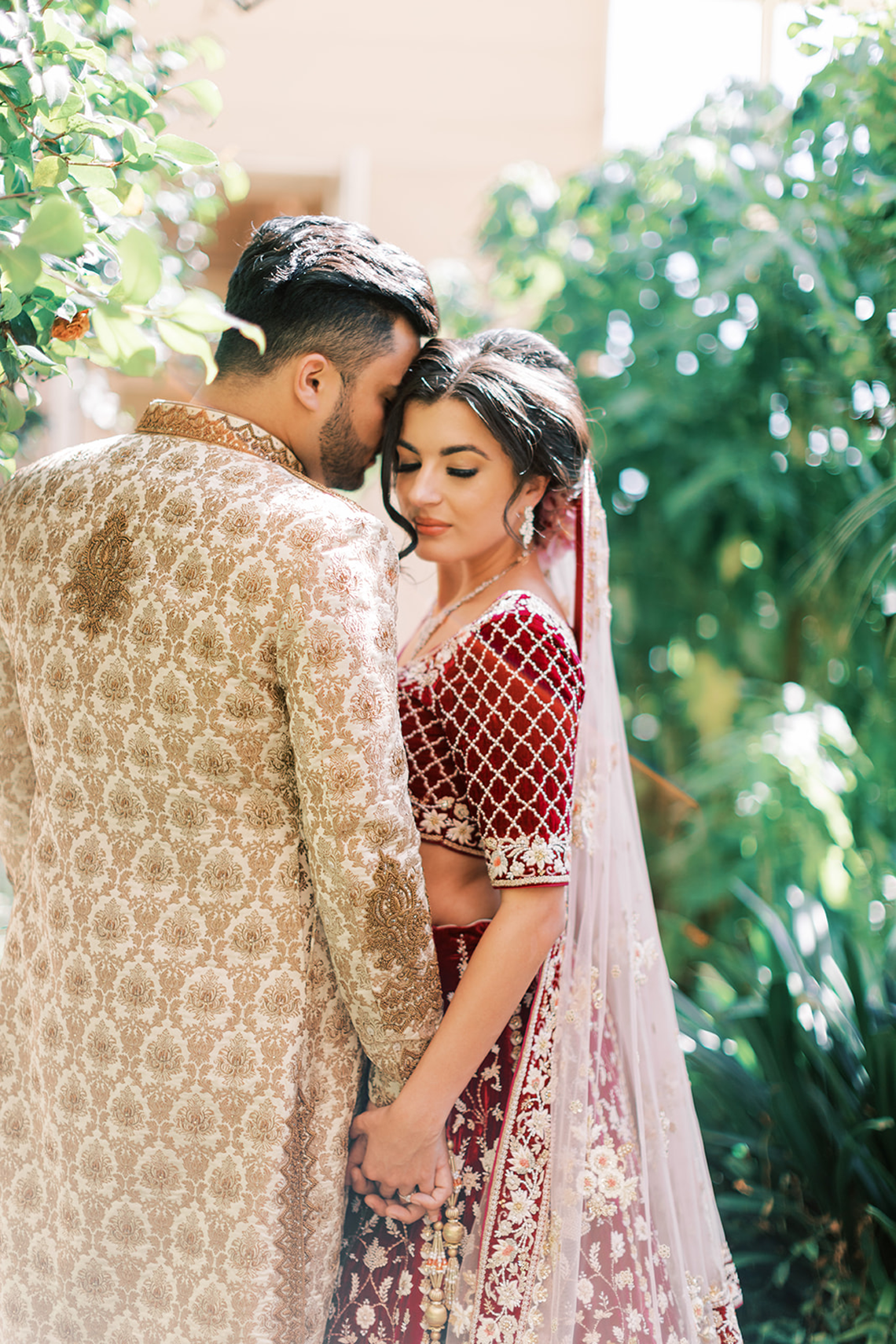 Breathtaking Royal Indian Wedding Inspiration at Prestwold Hall – Sophie May Photo 12