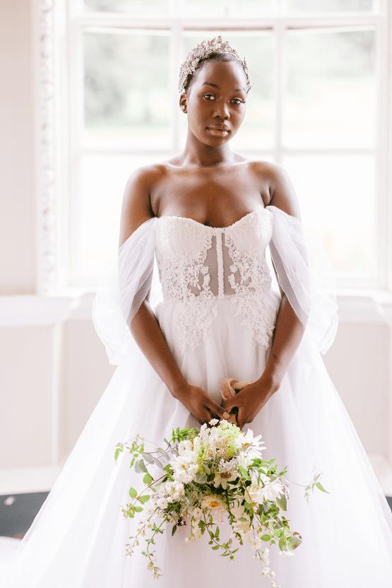 Elegant British Garden Inspired Wedding Ideas at Newburgh Priory – Felisiti Greis – Elsie Love Photography 15