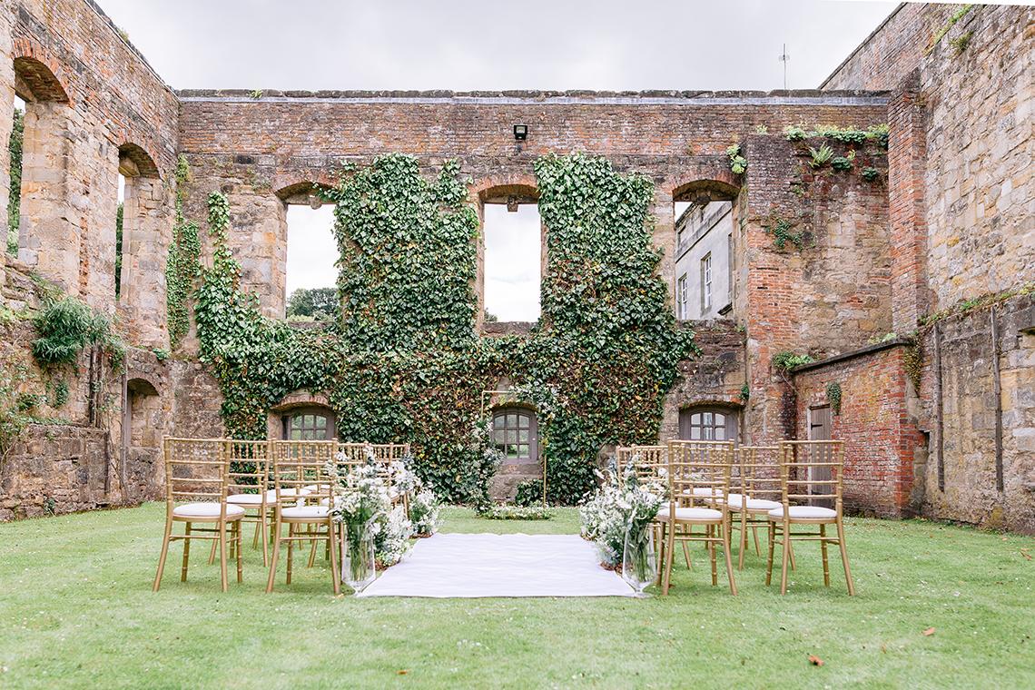 Elegant British Garden Inspired Wedding Ideas at Newburgh Priory – Felisiti Greis – Elsie Love Photography 3