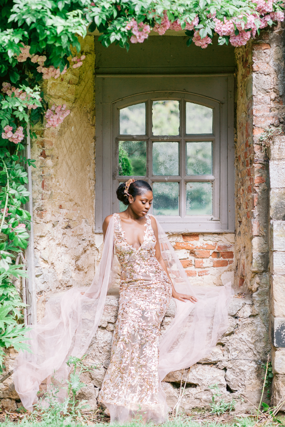 Elegant British Garden Inspired Wedding Ideas at Newburgh Priory – Felisiti Greis – Elsie Love Photography 48