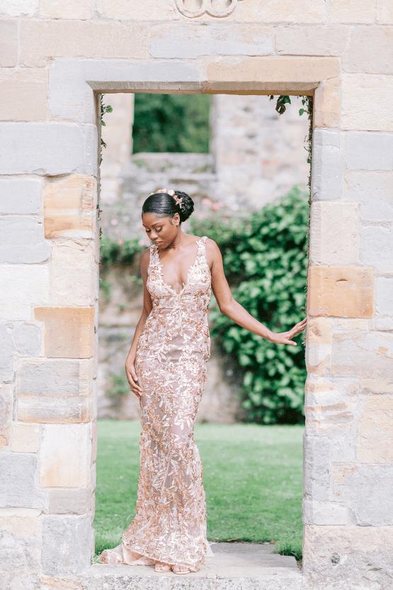 Elegant British Garden Inspired Wedding Ideas at Newburgh Priory – Felisiti Greis – Elsie Love Photography 49