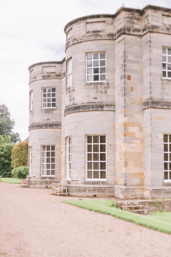 Elegant British Garden Inspired Wedding Ideas at Newburgh Priory – Felisiti Greis – Elsie Love Photography 5