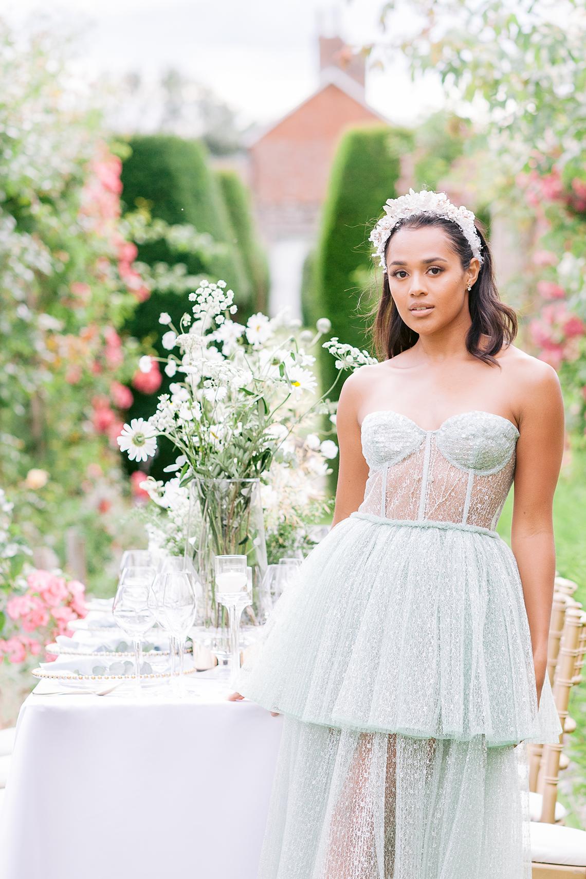 Elegant British Garden Inspired Wedding Ideas at Newburgh Priory – Felisiti Greis – Elsie Love Photography 55