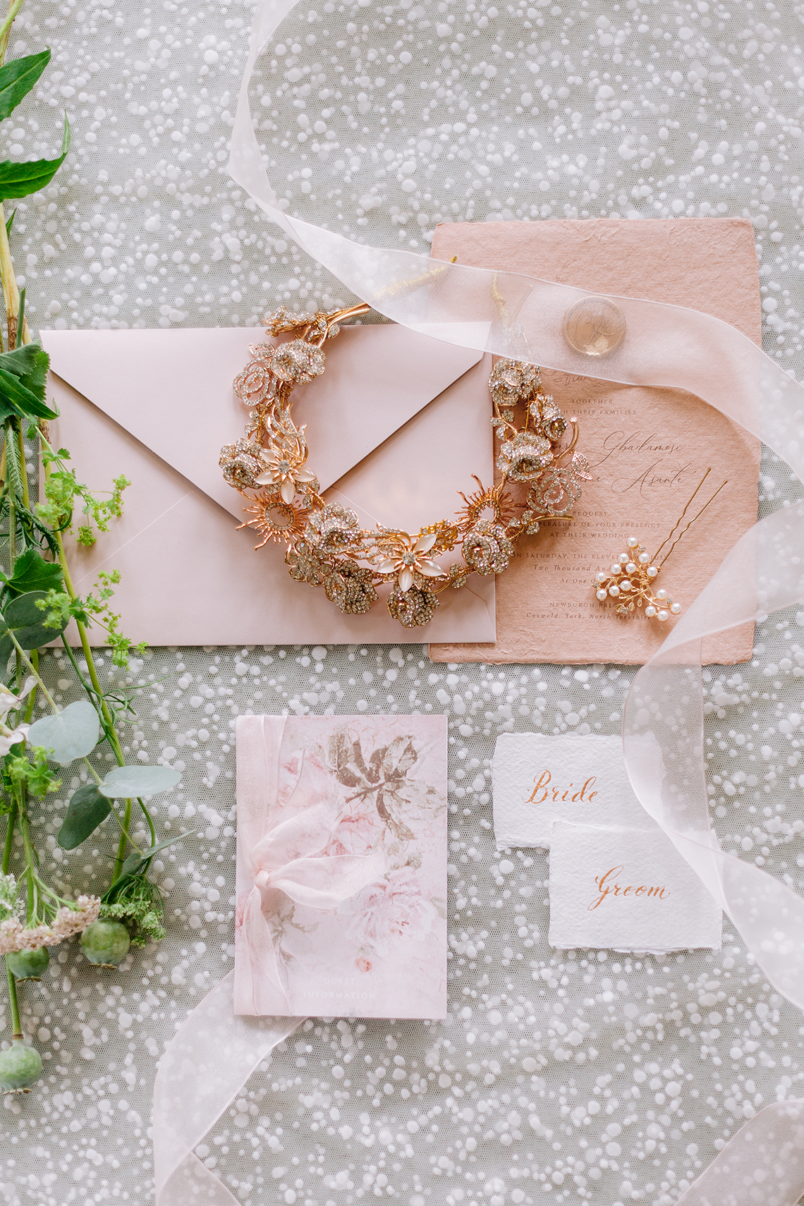 Elegant British Garden Inspired Wedding Ideas at Newburgh Priory – Felisiti Greis – Elsie Love Photography 6