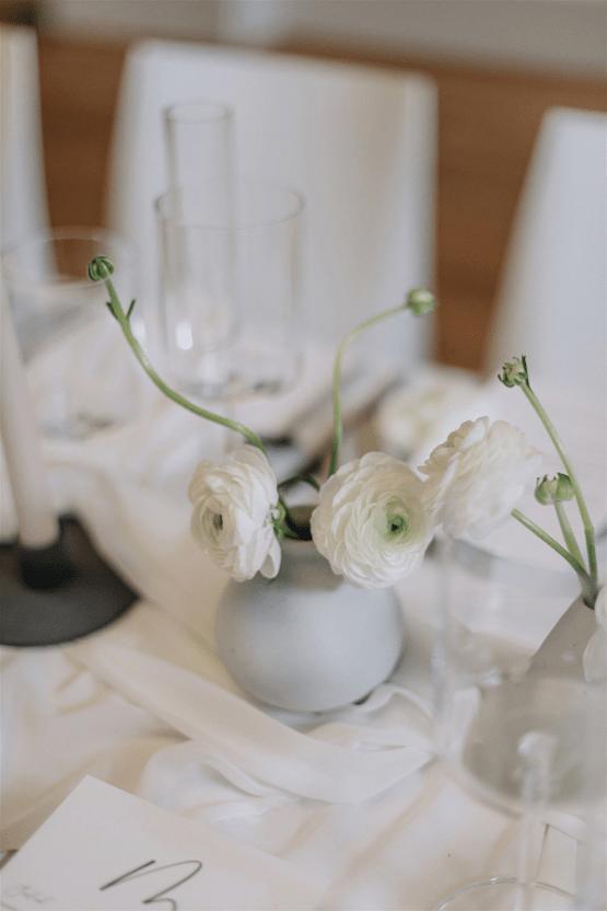 Elegant Minimalistic Canadian Microwedding Inspiration – Jumi Story – Paradise Events 7