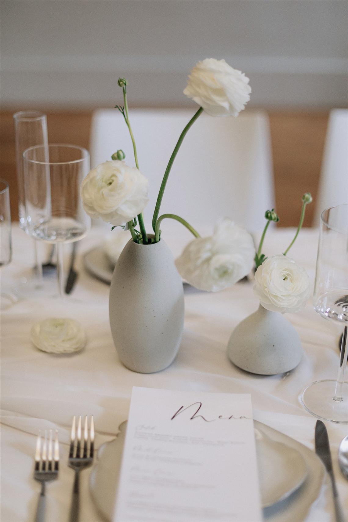 Elegant Minimalistic Canadian Microwedding Inspiration – Jumi Story – Paradise Events 9