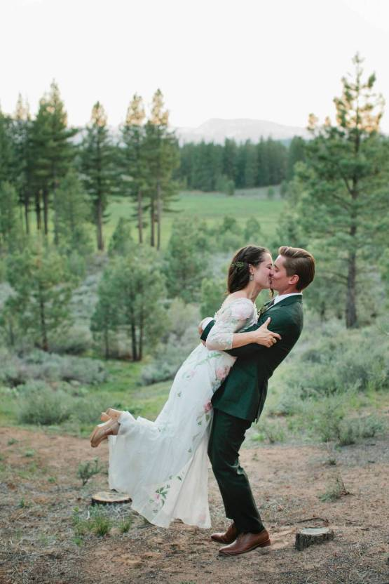 Allison Yin Photography – The Best Outdoor Wedding Inspiration – Chalet View Lodge – Bridal Musings 3