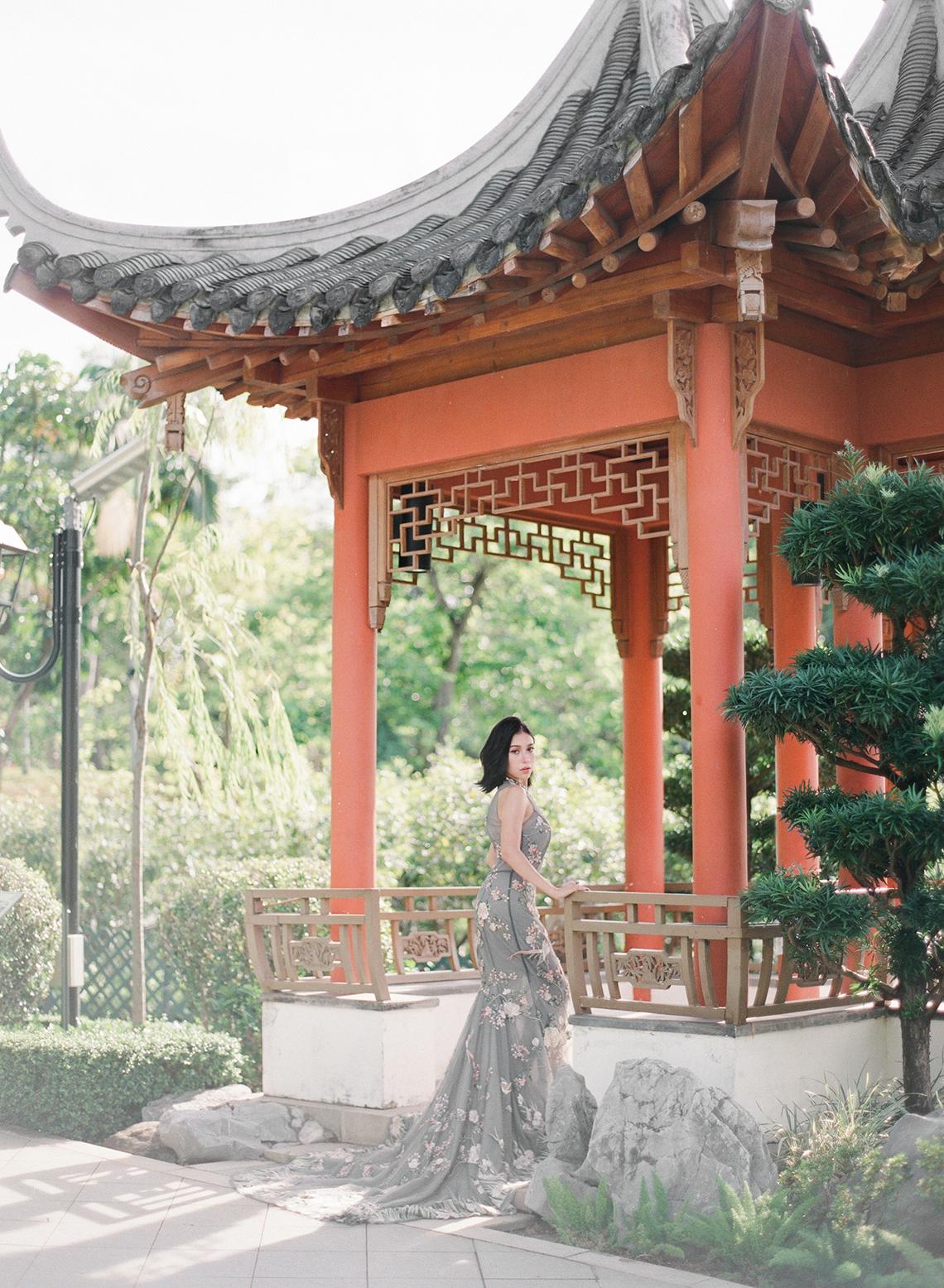 Breathtaking Chinese Qipao Wedding Inspiration from Hong Kong – Angel Cheung Photography 17