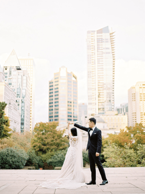 Chic City Wedding With Chinese Traditions in Vancouver – Natalie Hung Photography 21