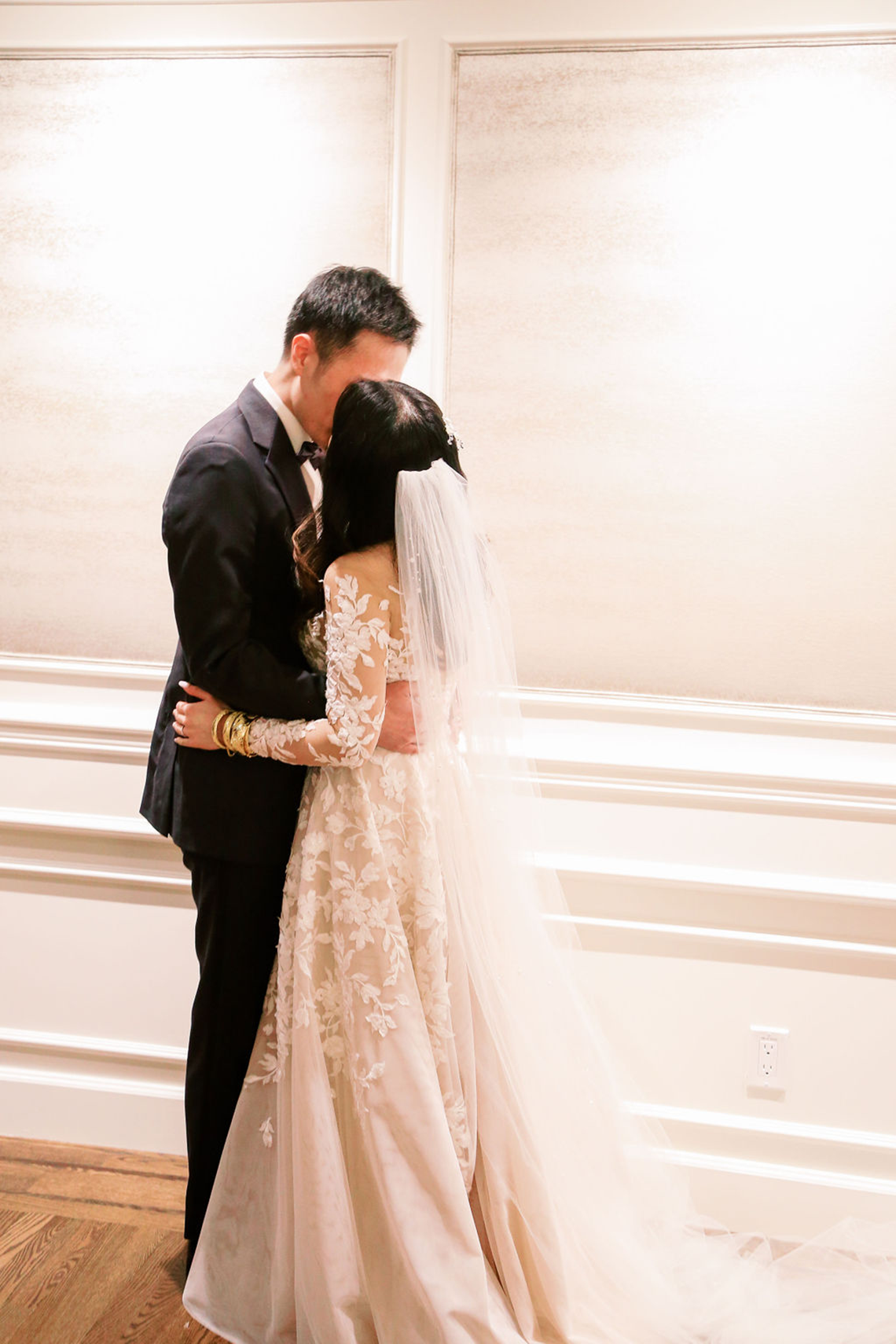 Chic City Wedding With Chinese Traditions in Vancouver – Natalie Hung Photography 40