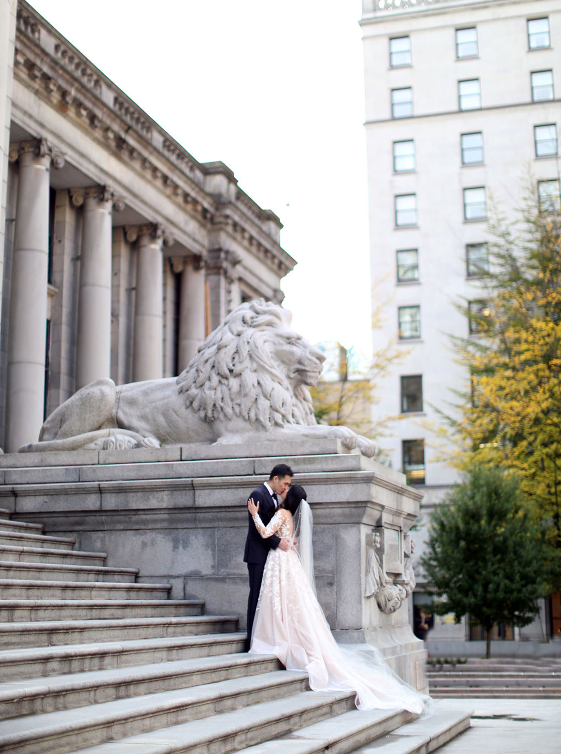 Chic City Wedding With Chinese Traditions in Vancouver – Natalie Hung Photography 8