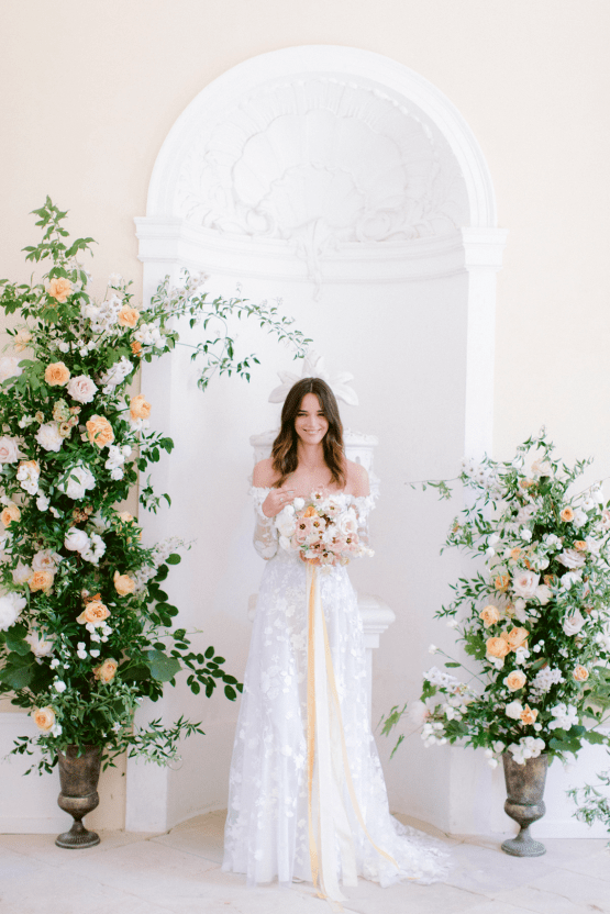 Elegant Blush Wedding Inspiration from a German Baroque Castle – Bonjour Paper – Anja Schneemann Photo 30