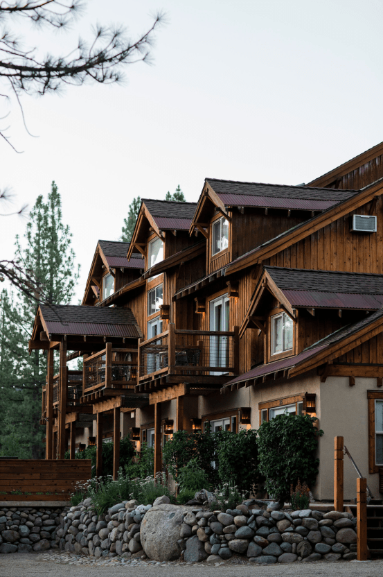 Erin Nicole – The Best Outdoor Wedding Inspiration – Chalet View Lodge – Bridal Musings 4