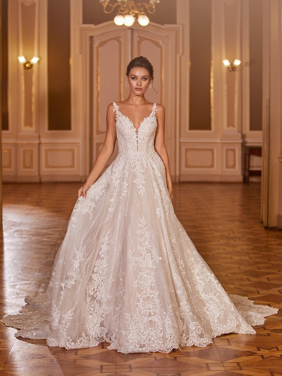 Extravagant Wedding Dresses for 2021 2022 – Val Stefani – Bridal Musings – D8277 A
