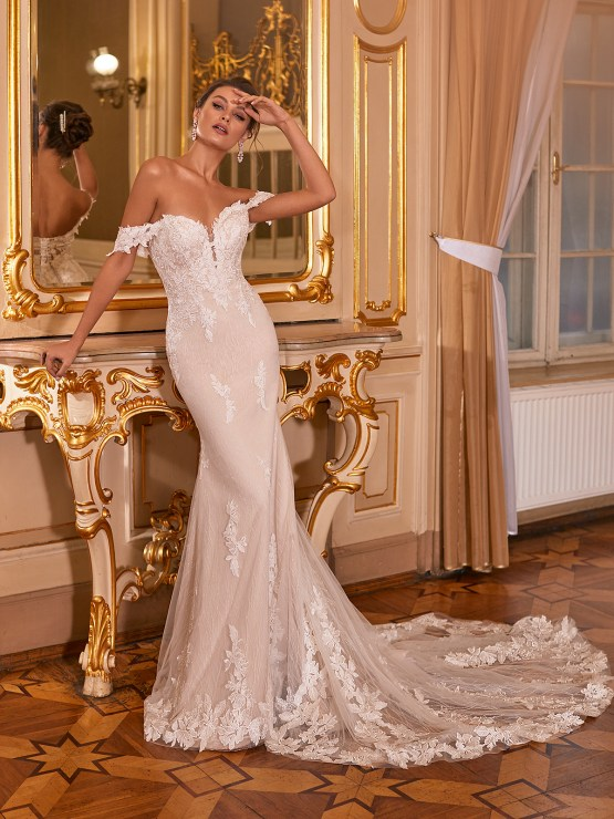 How to Plan A Luxurious Wedding At Home – Moonlight Bridal – Bridal Musings – J6830_A
