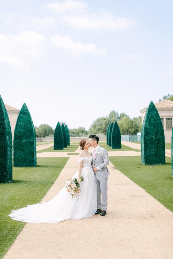 Incredible Floral Rich Pelican Hill Wedding – Brett Hickman Photography – Galia Lahav Real Bride 16