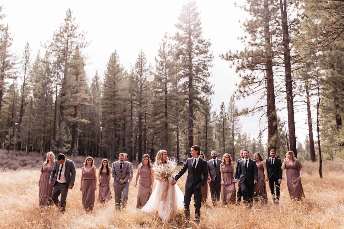 Katie Palin – The Best Outdoor Wedding Inspiration – Chalet View Lodge – Bridal Musings 2
