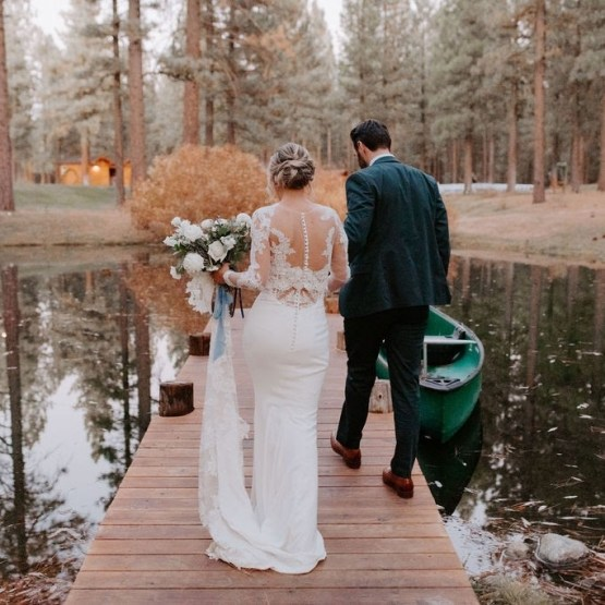 Kay Kroshus Photography – The Best Outdoor Wedding Inspiration – Chalet View Lodge – Bridal Musings 3