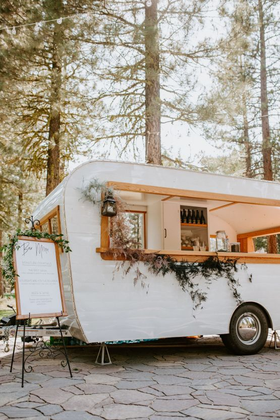 Red Poppy Photography – The Best Outdoor Wedding Inspiration – Chalet View Lodge – Bridal Musings 2