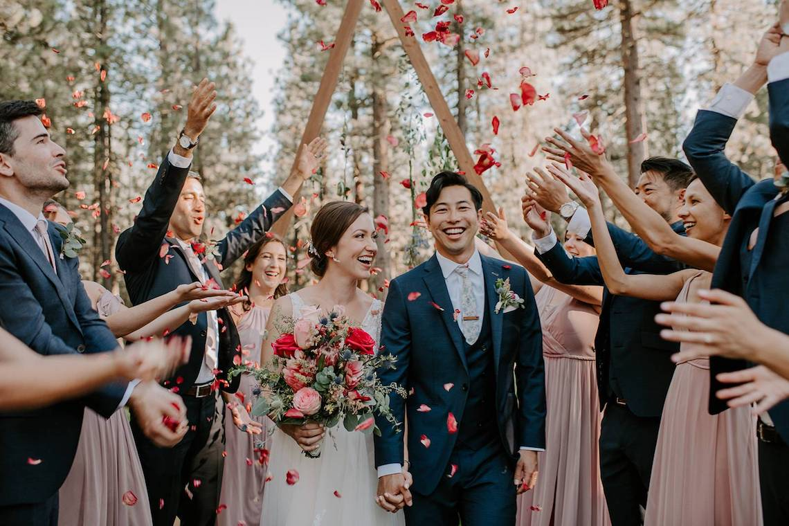 Sunshine Shannon Photography – The Best Outdoor Wedding Inspiration – Chalet View Lodge – Bridal Musings 4