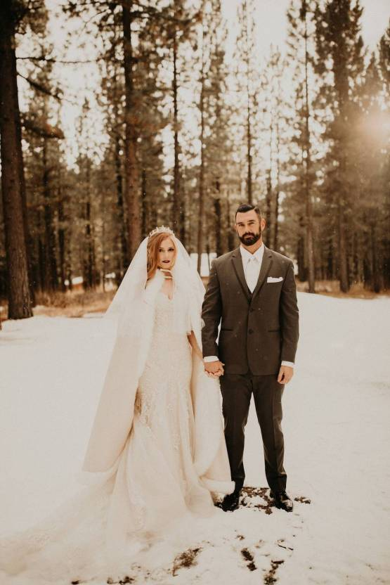 Taylor Kirn – The Best Outdoor Wedding Inspiration – Chalet View Lodge – Bridal Musings 3