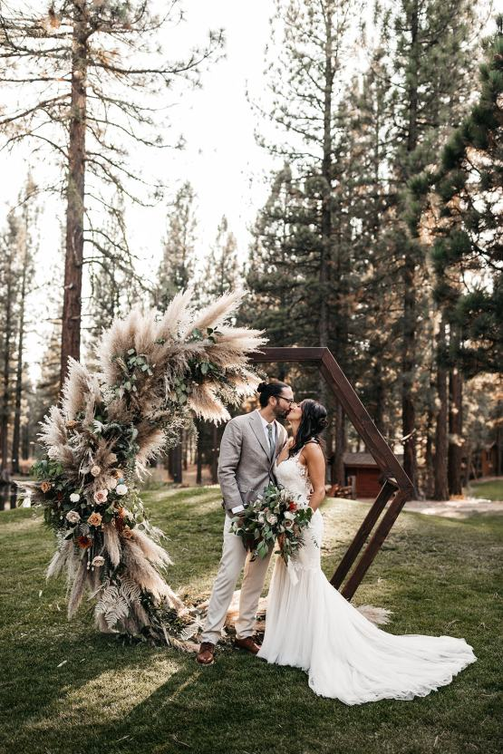Vild Photography – The Best Outdoor Wedding Inspiration – Chalet View Lodge – Bridal Musings 2