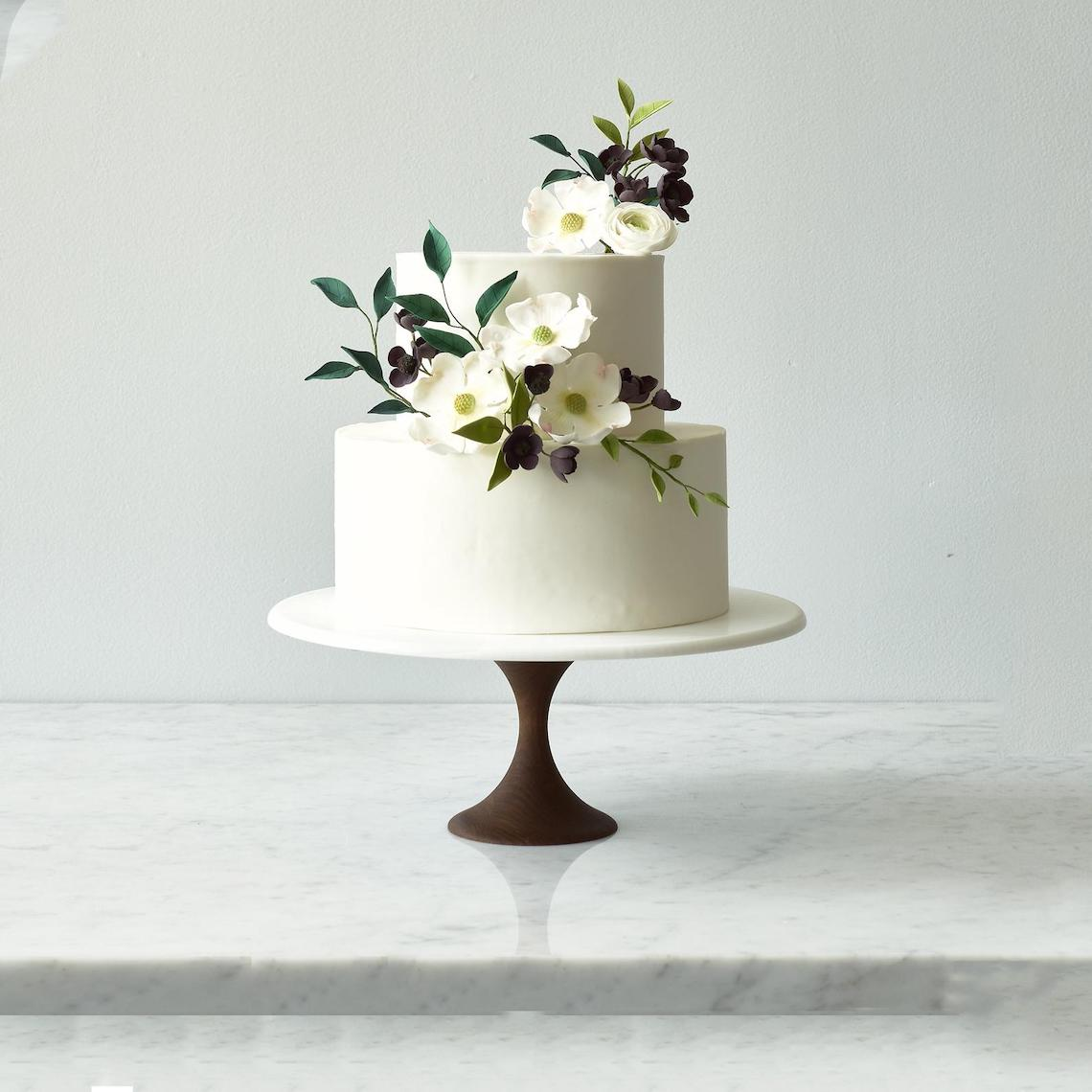 15 Gorgeous Cake Stands for Your Wedding Dessert Table – Bridal Musings 7