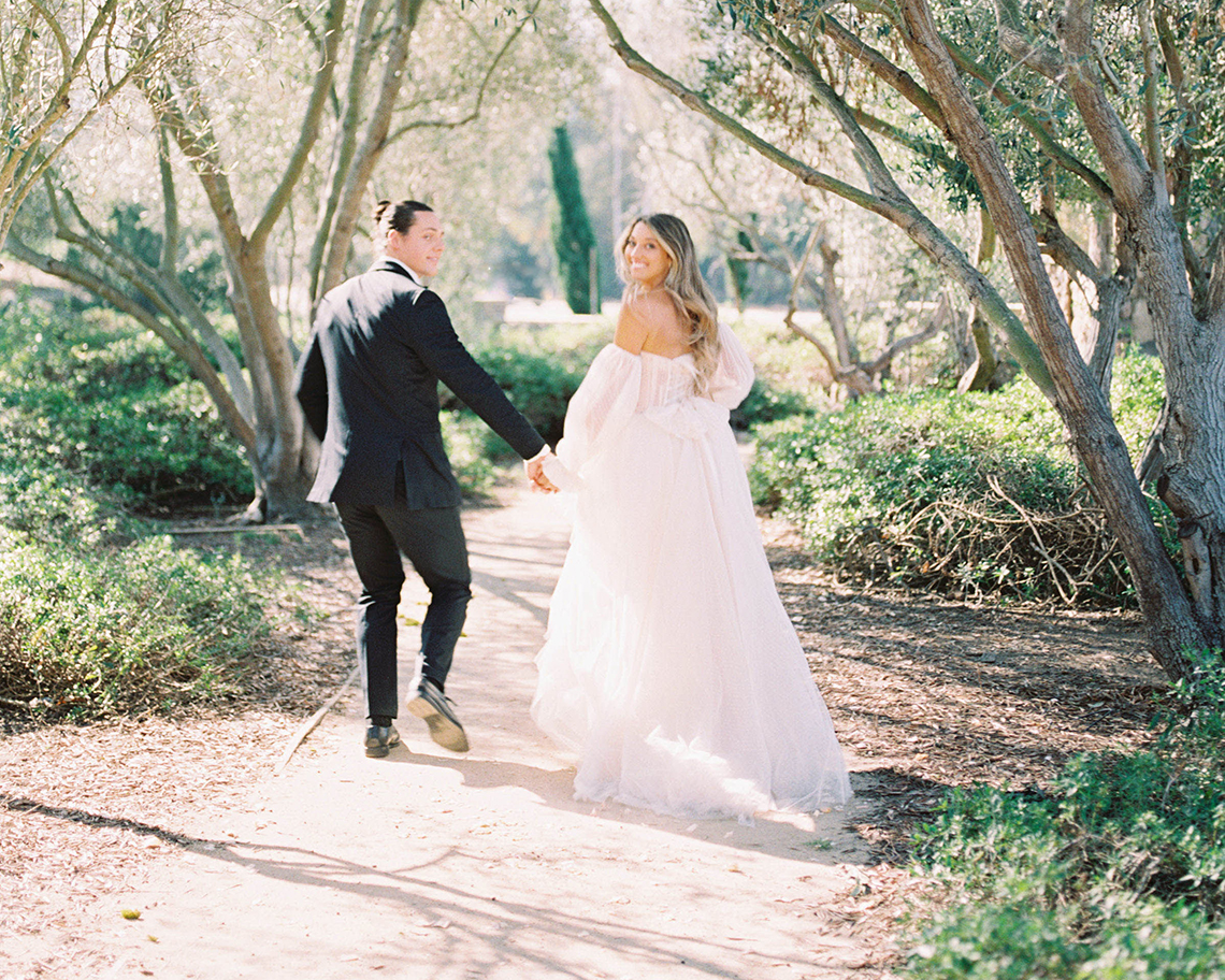 Gorgeous Garden Wedding Vow Renewal Inspiration – iamlatreuo photo – KWH Bridal 4