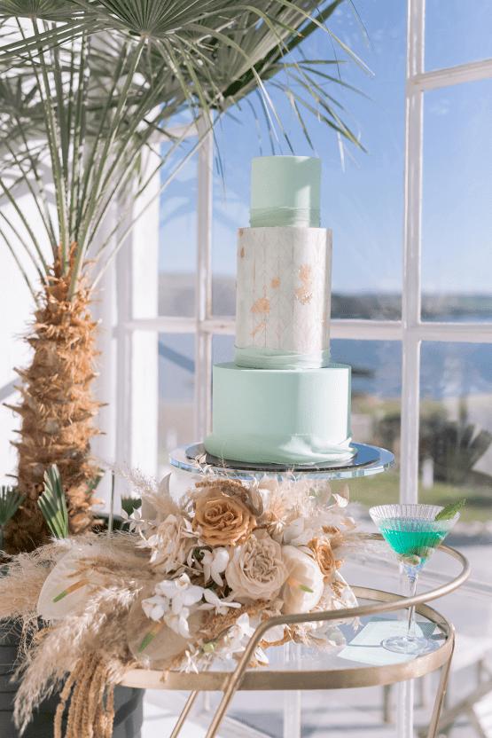 Modern Art Deco Wedding Inspiration at Burgh Island Hotel in Devon – Jennifer Jane Photography 22