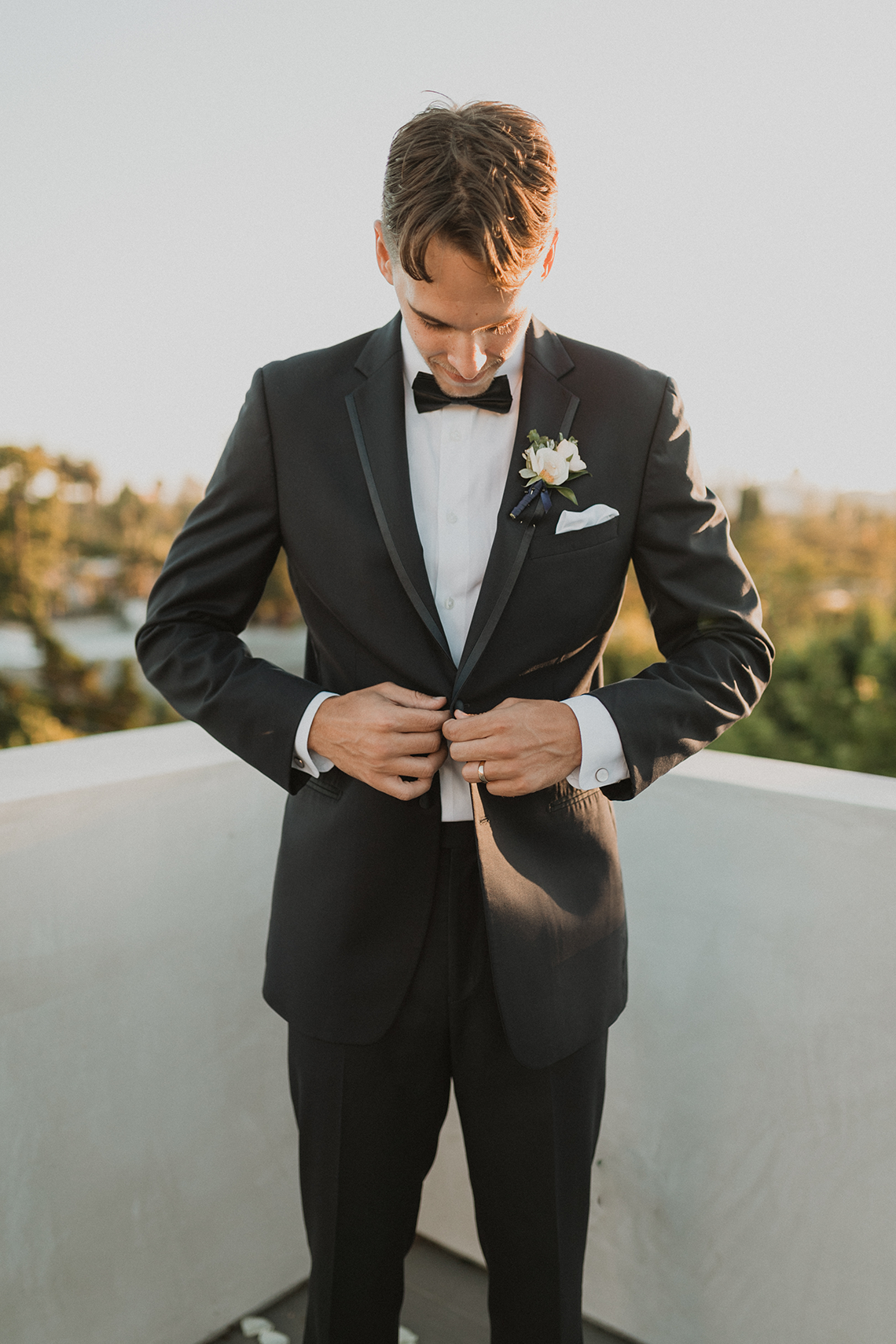 Modern Hollywood Rooftop Elopement During COVID-19 – Julia Green Photography 31