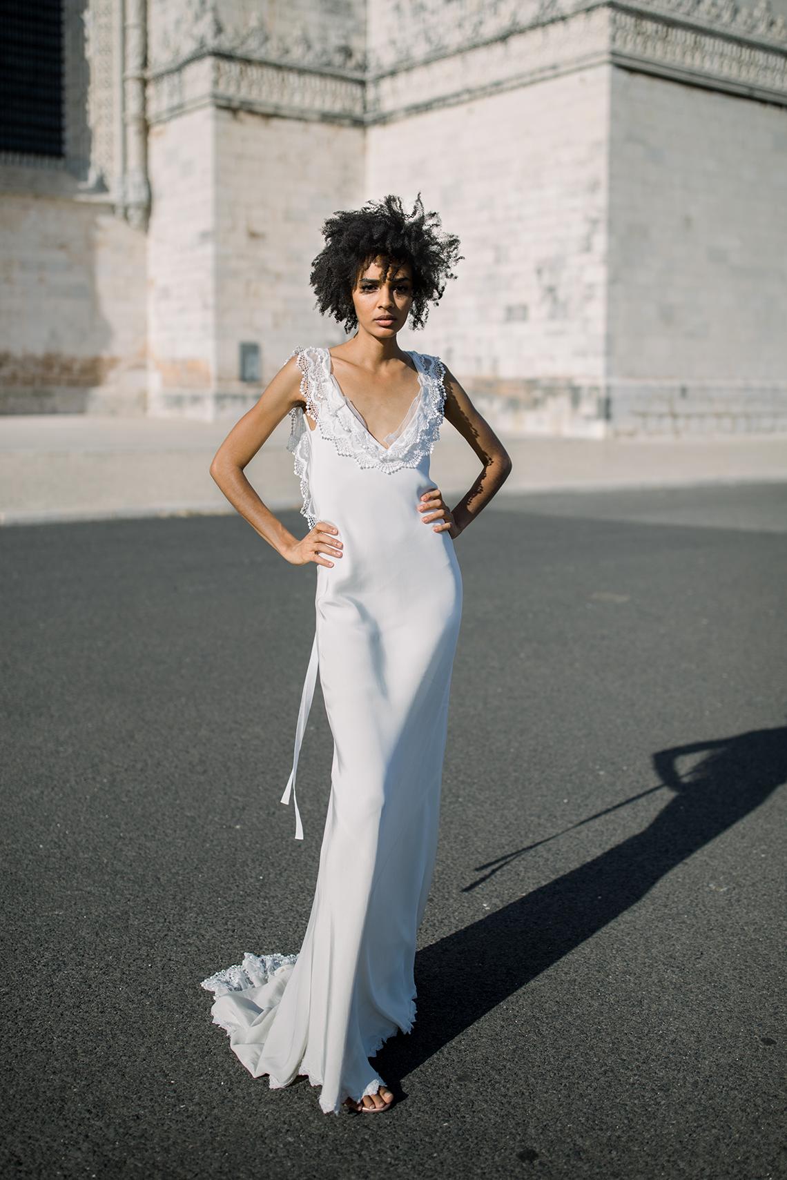 Romantic and Chic Portuguese Bridal Editorial – Couplet – A La Robe Bridal 13
