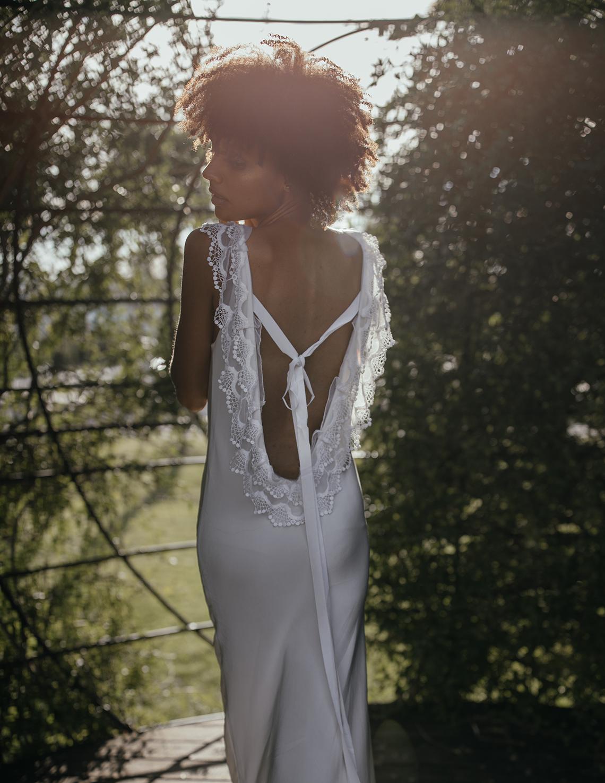 Romantic and Chic Portuguese Bridal Editorial – Couplet – A La Robe Bridal 17