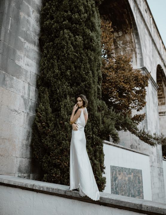 Romantic and Chic Portuguese Bridal Editorial – Couplet – A La Robe Bridal 23