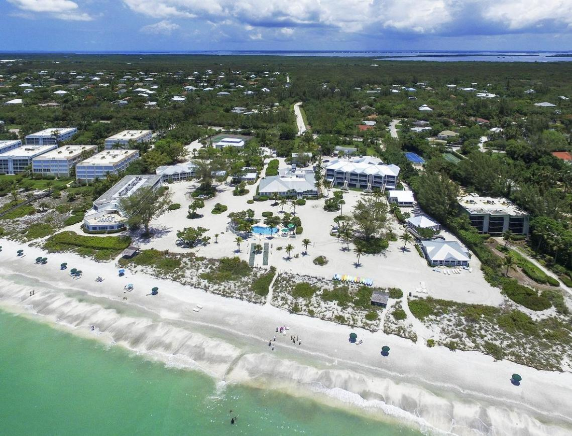 Island Inn Sanibel Island – We Planned Three Perfect Destination Beach Weddings Just For You – The Beaches of Fort Myers and Sanibel Island – Bridal Musings 2