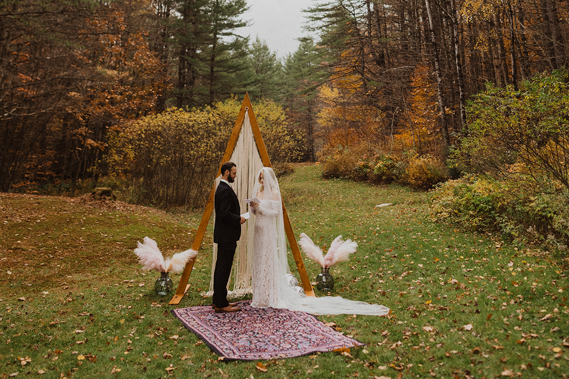 Woodsy Boho Cabin Wedding Inspiration in New Hampshire – Haus of Gravity – Compass Collective 1