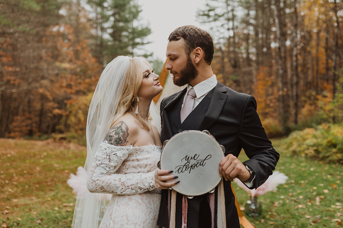 Woodsy Boho Cabin Wedding Inspiration in New Hampshire – Haus of Gravity – Compass Collective 3