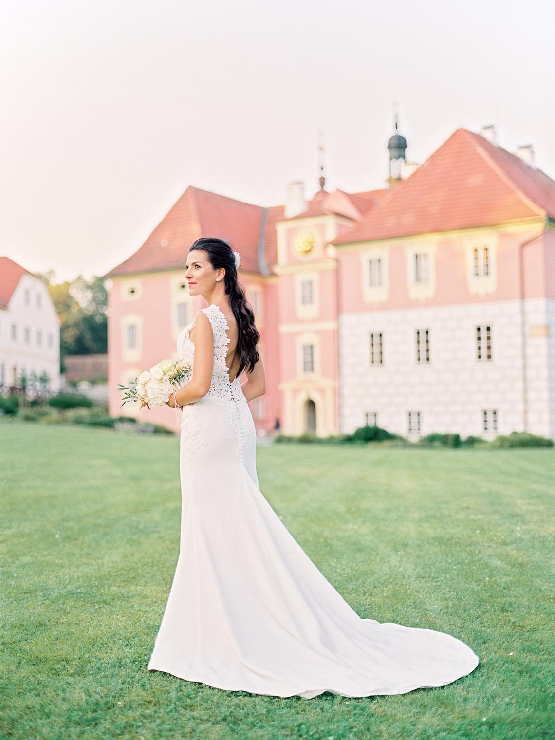 Opulent Traditional Czech Wedding in a Pink Castle – Tomas Dolejsi – Chateau Mitrowicz 45
