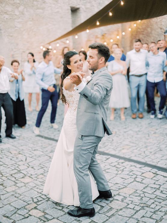 Opulent Traditional Czech Wedding in a Pink Castle – Tomas Dolejsi – Chateau Mitrowicz 54