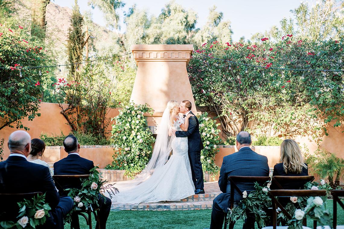 Sparkling Hacienda-style Arizona Micro Wedding at Royal Palms Scottsdale – Ashley Rae Photography 2