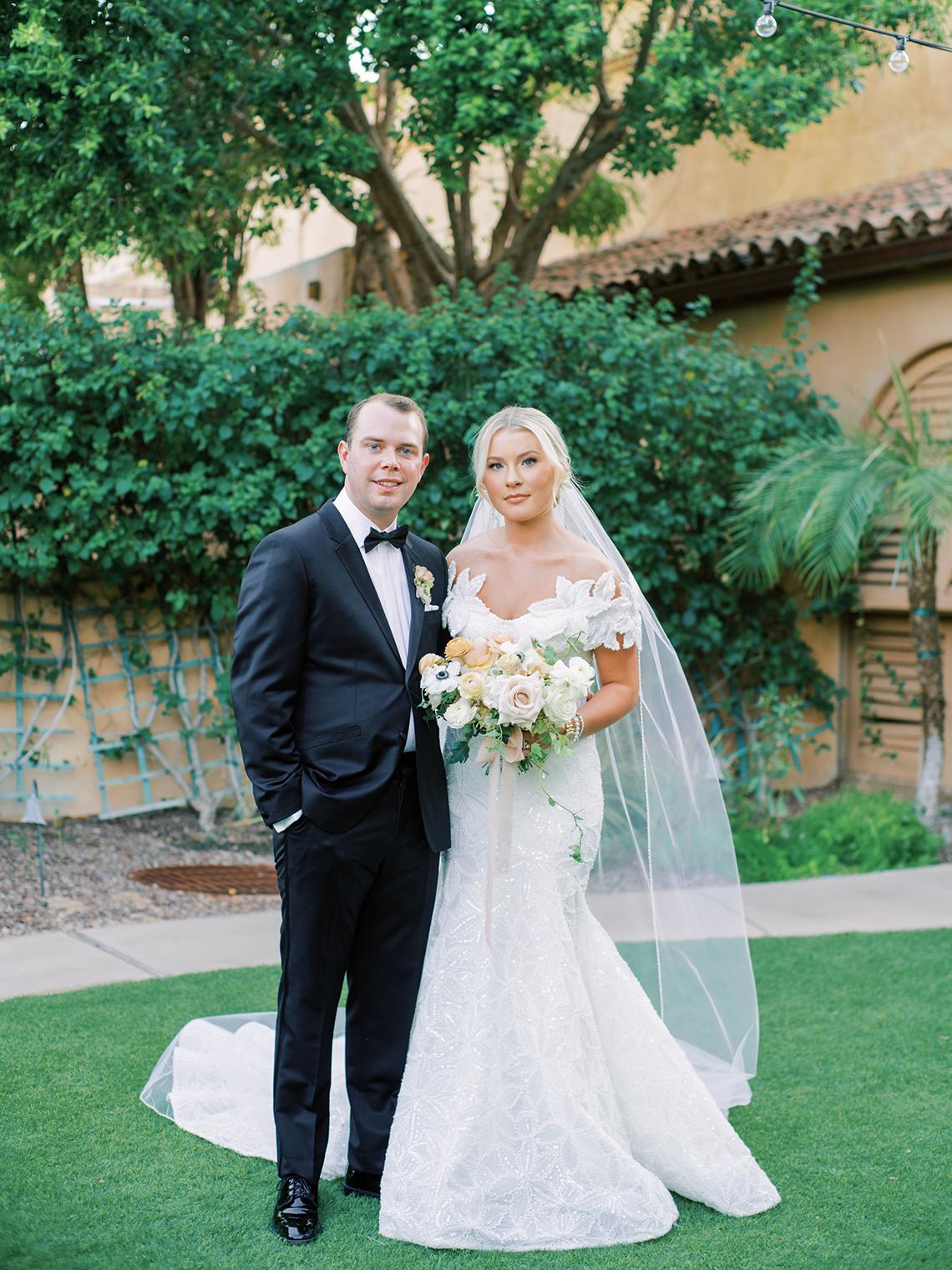 Sparkling Hacienda-style Arizona Micro Wedding at Royal Palms Scottsdale – Ashley Rae Photography 54