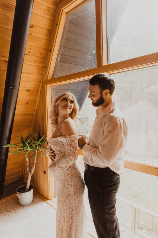 Woodsy Boho Cabin Wedding Inspiration in New Hampshire – Haus of Gravity – Compass Collective 13