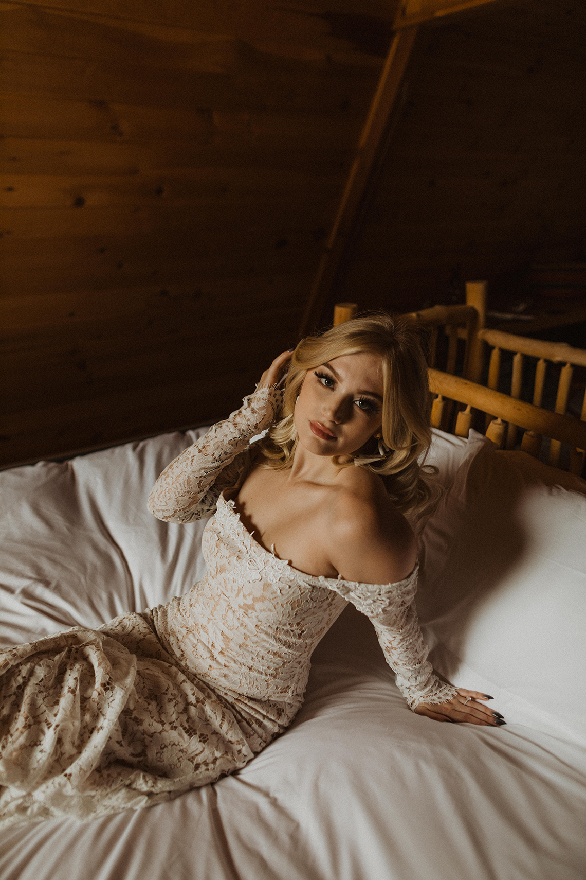Woodsy Boho Cabin Wedding Inspiration in New Hampshire – Haus of Gravity – Compass Collective 17