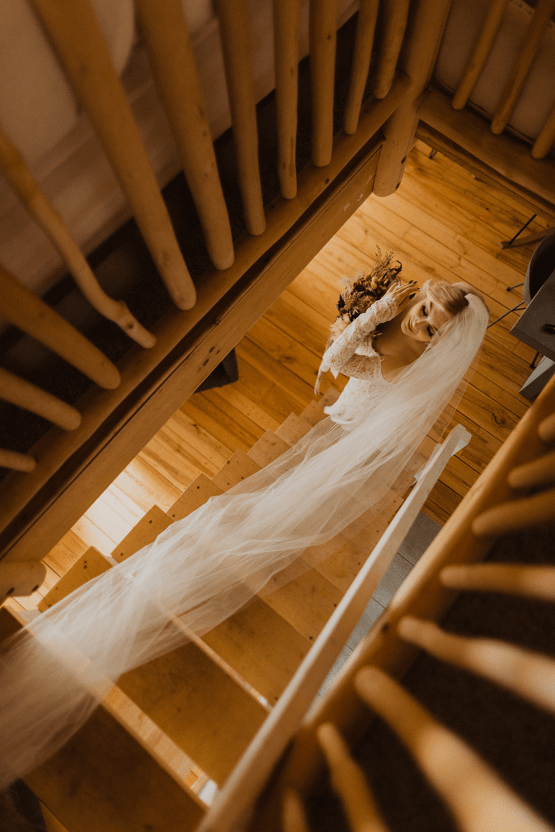 Woodsy Boho Cabin Wedding Inspiration in New Hampshire – Haus of Gravity – Compass Collective 18