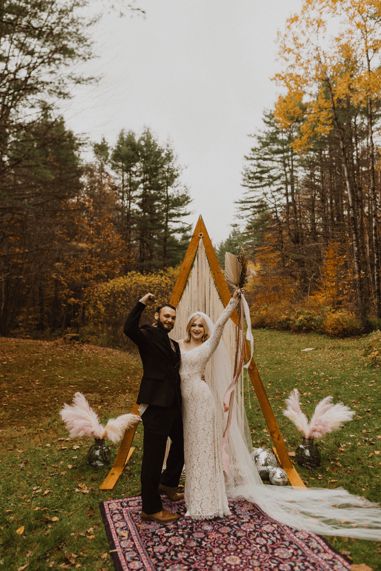 Woodsy Boho Cabin Wedding Inspiration in New Hampshire – Haus of Gravity – Compass Collective 29
