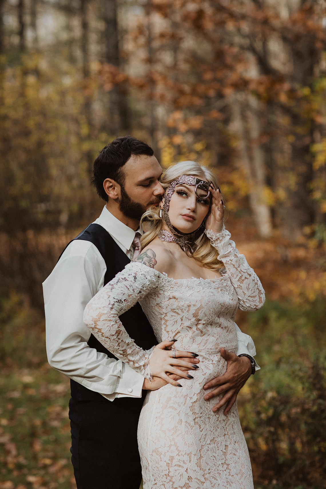Woodsy Boho Cabin Wedding Inspiration in New Hampshire – Haus of Gravity – Compass Collective 41