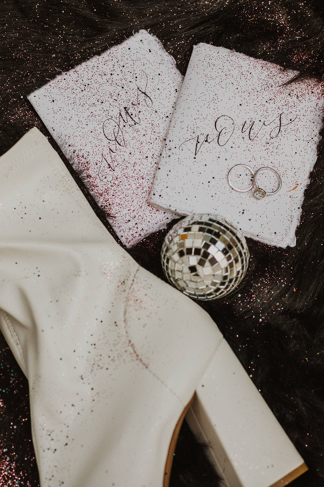 Woodsy Boho Cabin Wedding Inspiration in New Hampshire – Haus of Gravity – Compass Collective 8